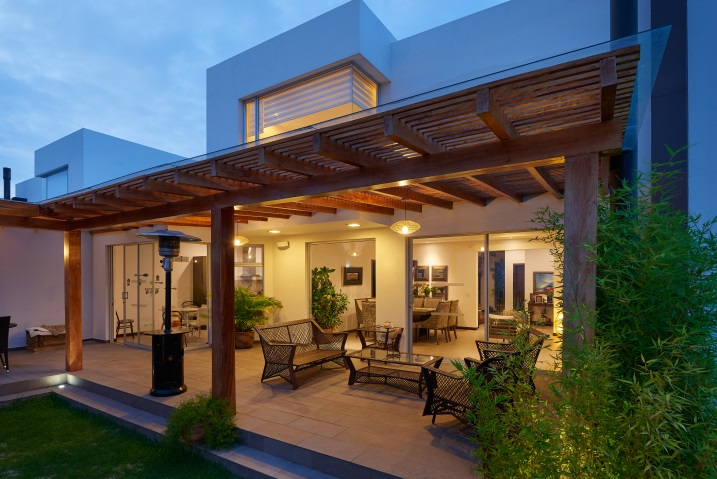 Outdoor Lighting Tips For Your Covered, Outdoor Covered Patio